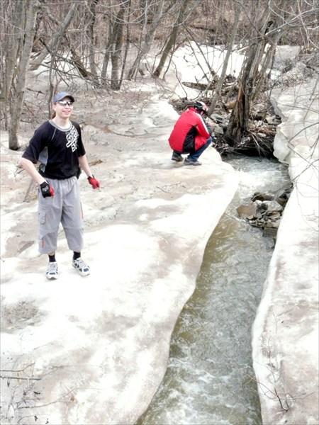 Некоторые реки еще подо льдом