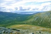 Вид на долину Лутнармайока со склона Юдычвумчорра