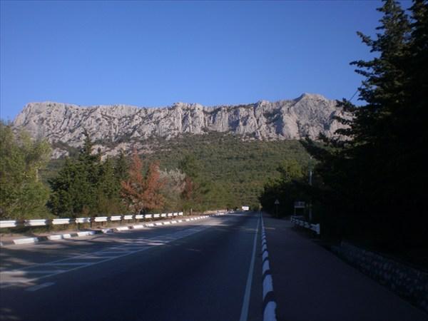 Южнобережное шоссе. Впереди перевал.