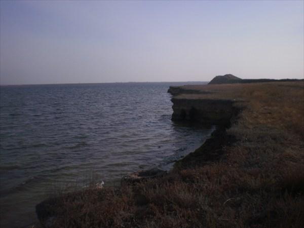 Обрывистый берег.