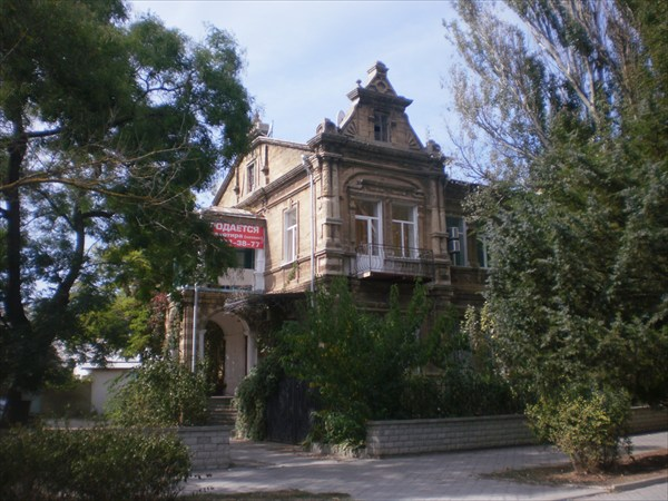 На улице Дувановского все дома разные.