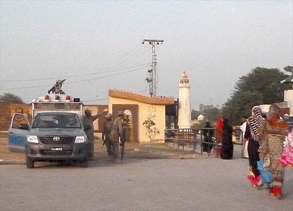 Очередной военный патруль на пути к границе