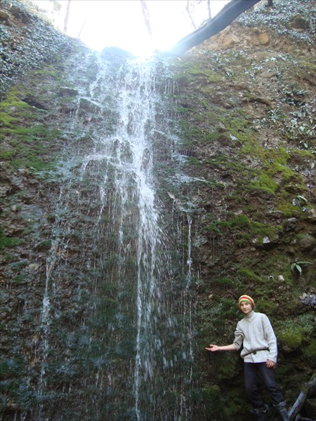 Водопад у пещеры