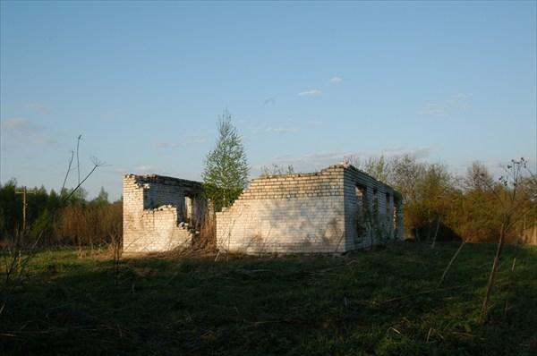 Это место на картах отмечено как Ленинградская Слобода