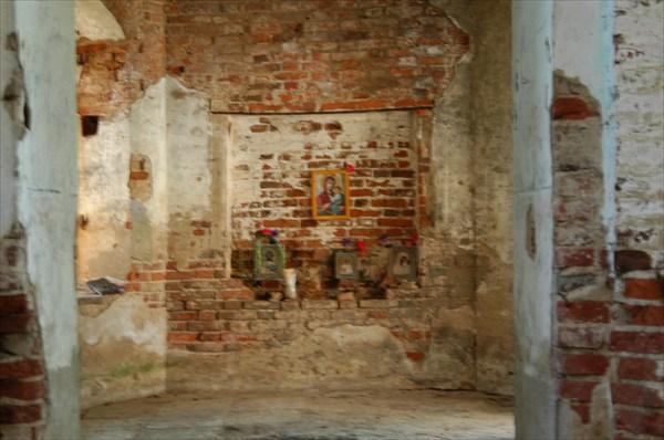 Интерьер церкви в Дубно