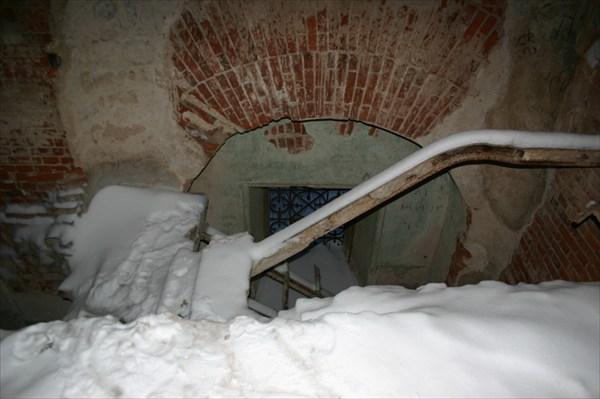 Лестница внутри монастыря