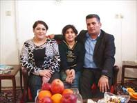 Иранская семья дома