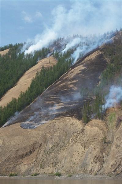 Пожары Возле устья Адычи