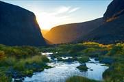 Рассвет в ущелье Чинглусуай