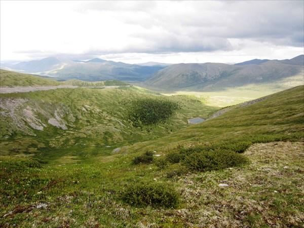 Вид с перевала на Кызыл-Тайгу.