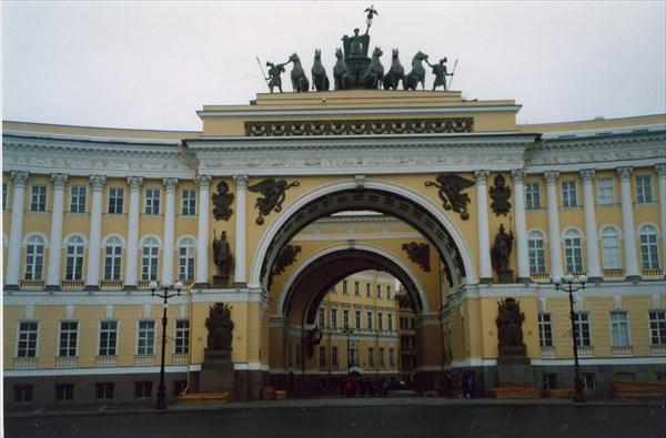 Триумфальная арка Главного Штаба, Дворцовая площадь