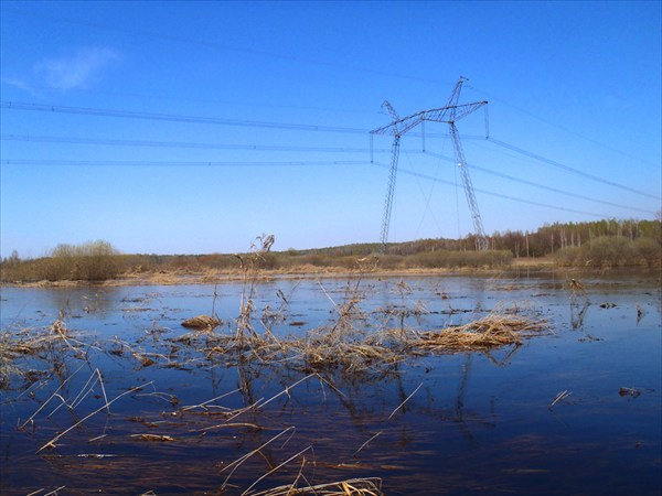 ЛЭП над рекой Остер.