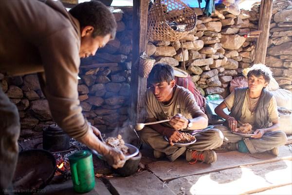 20.11.2009 г. Готова тзампа. Налетайте! Chumling, Lower Tsum