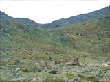 Спуск с перевала Елангаш З. по осыпному склону