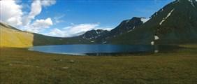 Озеро Джанкёль и пер. Ажу за ним.