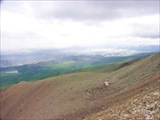 Вид на плато Ештык-Коль и осыпной гребень, по которому поднимали