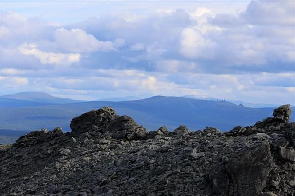 Мань-Пупу-Нер на горизонте.