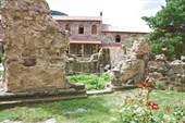 На территории монастыря