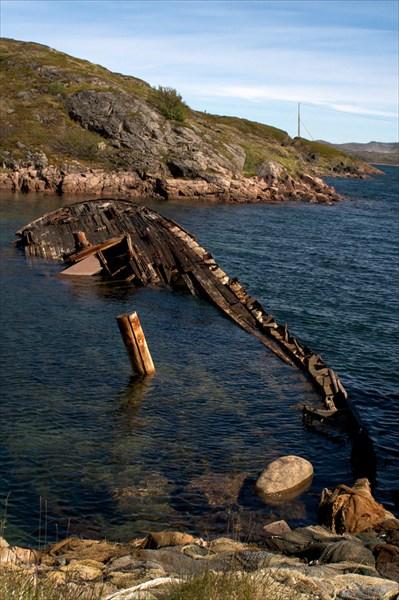 Затонувший баркас