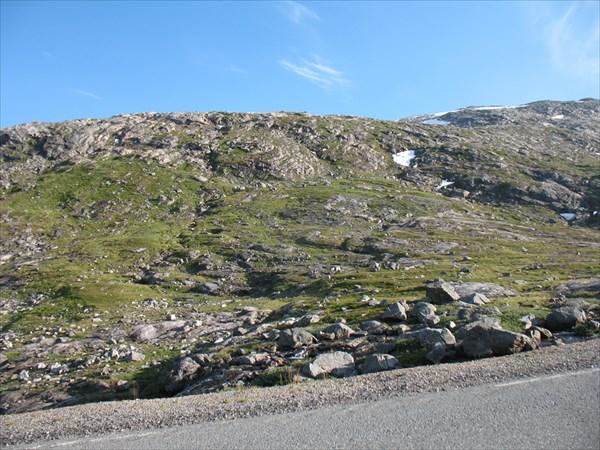 Каменистое плато на перевале по дороге к  Gruufarnes