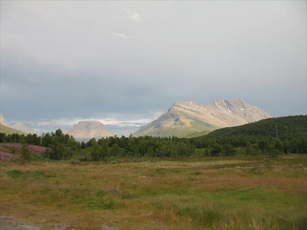 Вид на горы со стоянки