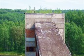 Вид на здание - предположительно бетонного завода