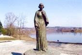 Статуя Цветаевой