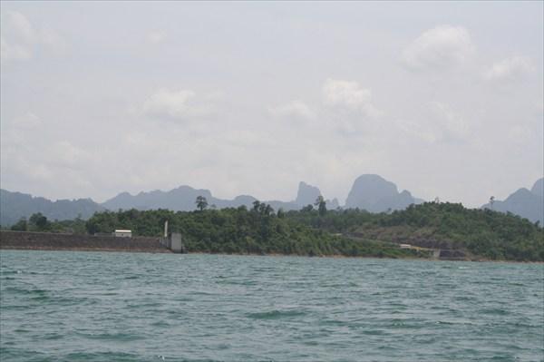 Озеро-дамба