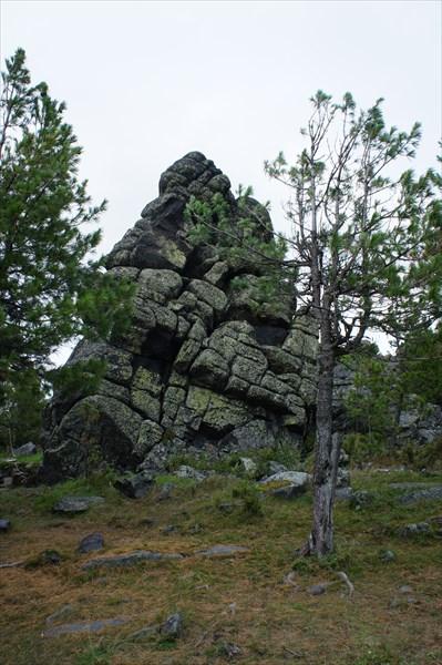 Один из множества останцев горы Качканар.
