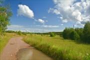 Красивая дорога через поле