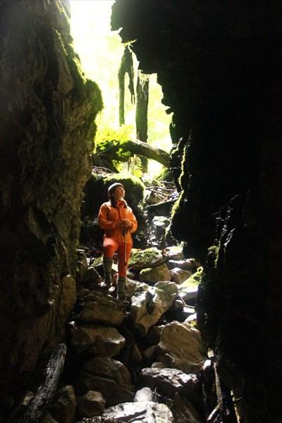 на фото: Пещера ТЭП