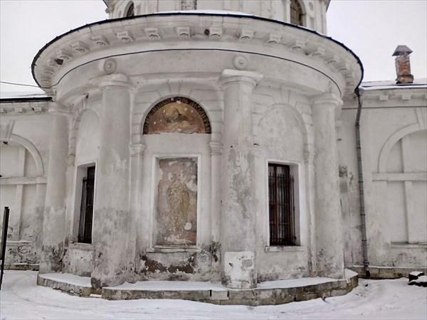 Ярополец, усадьба Гончаровых, фрески на Предтеченской церкви