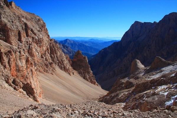 Каньон спуска в долину Аджир
