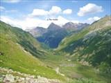 Долина реки Мырды. Вид вниз по течению