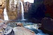 Водопад Мунил в солнечный день