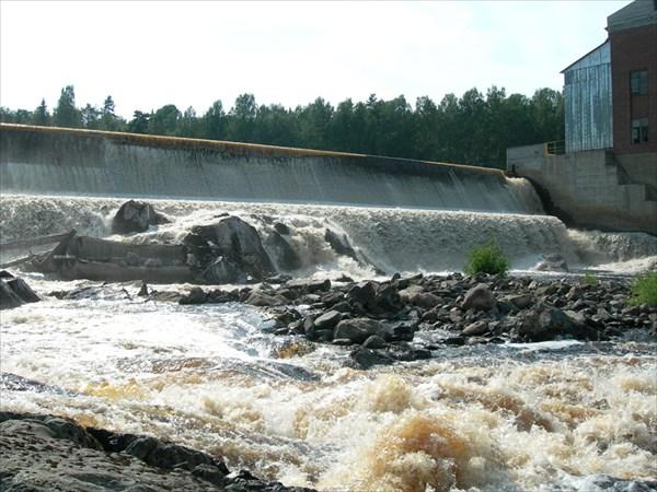 на фото: Игнойлская ГЭС