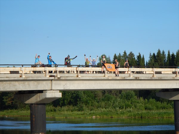 Мост через р. Межевую Утку.