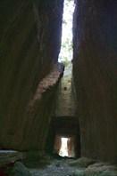 в туннеле Титуса