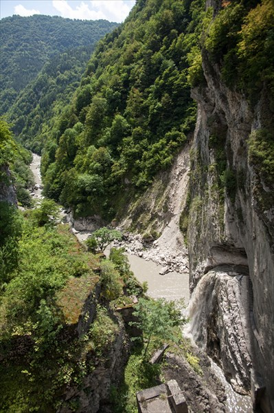 Плотина 68 м