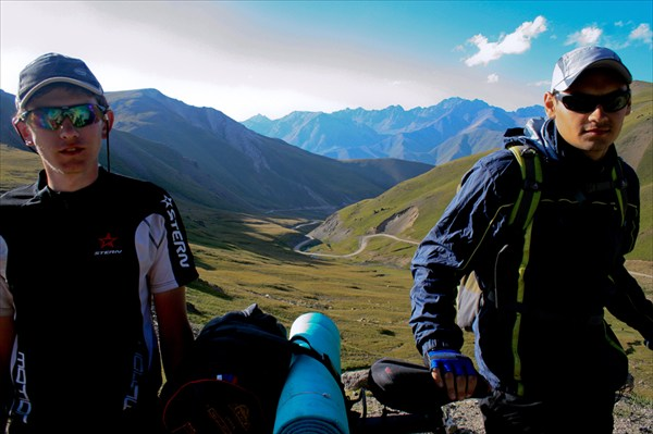 На перевале Калмак-Ашу