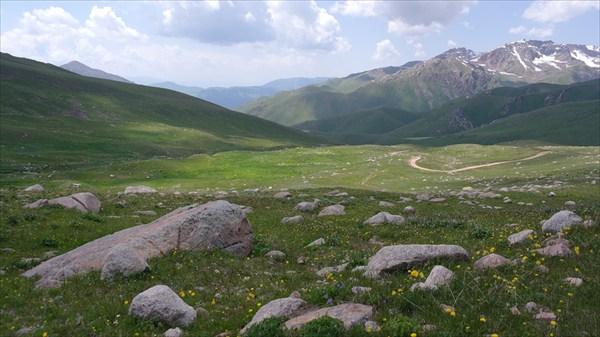 Вид с перевала Кырк-Кыз