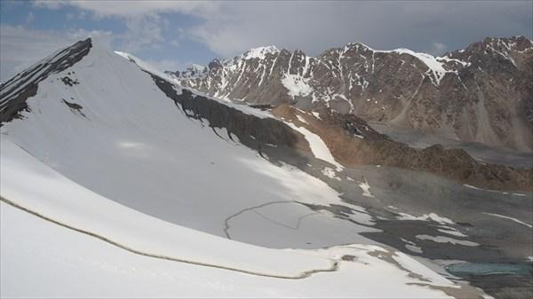 Пешая тропа на перевал Тон