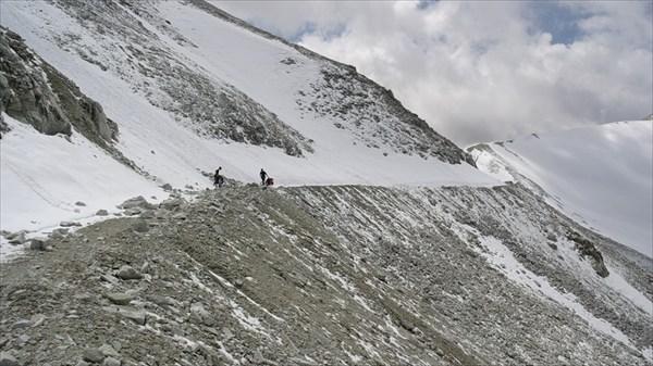 И снова снежная дорога..