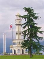 Старый маяк на набережной