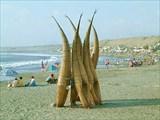 300px-Peru_Huanchaco_Typical_Fisherman_reed_boats