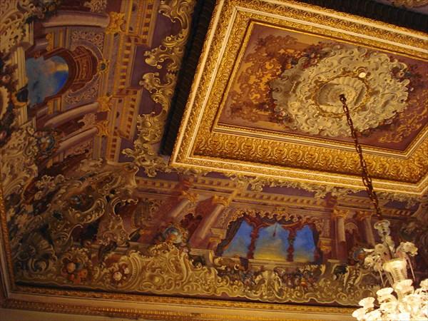 Потолок дворца Долмабахче