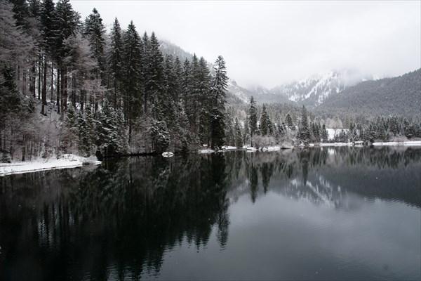 93.Озеро