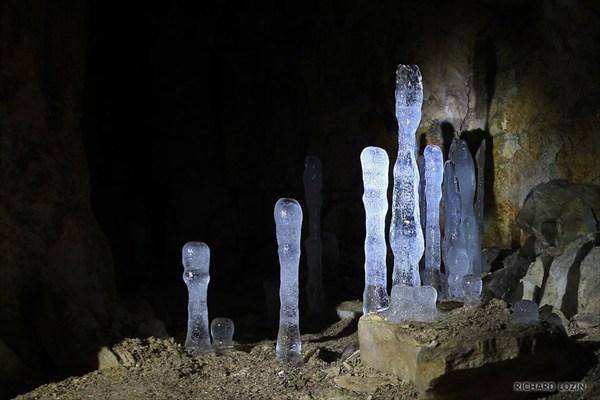 Ледяные сталагмиты