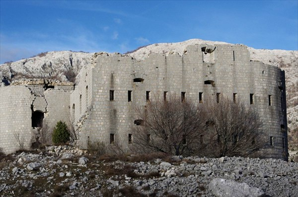2013-01-04--17-35-55 крепость Космач (Kosmac)
