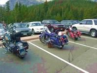 Переполненая парковка,следовательно народу здесь будеть немало